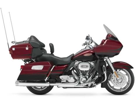 2011 Harley-Davidson CVO™ Road Glide® Ultra in Muskego, Wisconsin - Photo 17