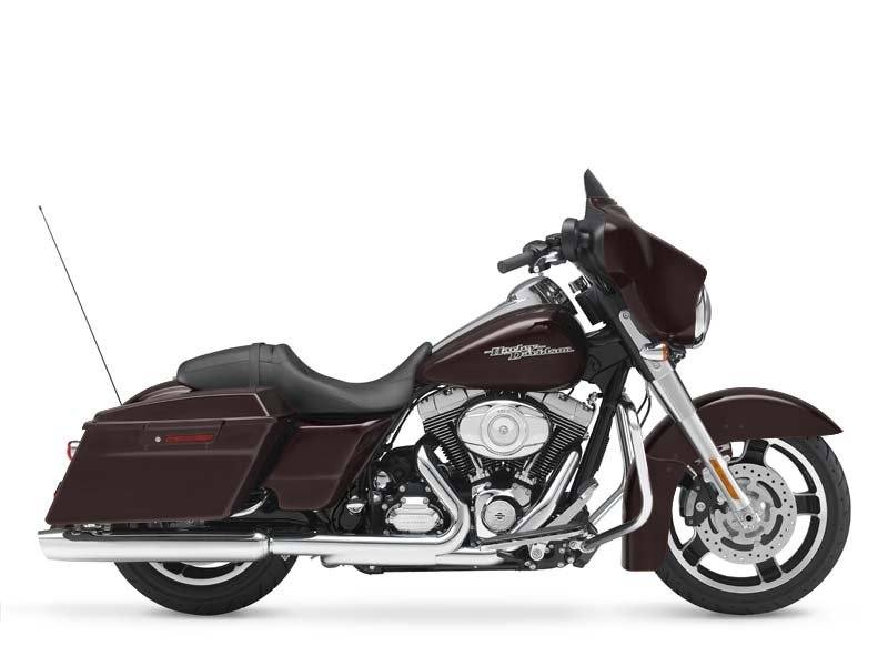 2011 Harley-Davidson Street Glide® in Ukiah, California - Photo 5