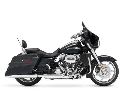 2012 Harley-Davidson CVO™ Street Glide® in The Woodlands, Texas - Photo 14
