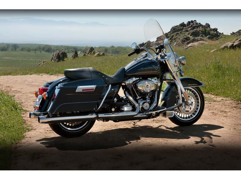 2012 Harley-Davidson Road King® in Oakdale, New York - Photo 2