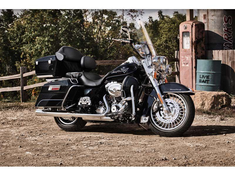 2012 Harley-Davidson Road King® in Oakdale, New York - Photo 6
