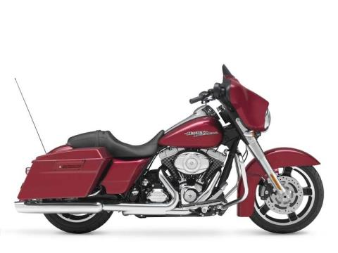 2012 Harley-Davidson Street Glide® in Mauston, Wisconsin - Photo 10