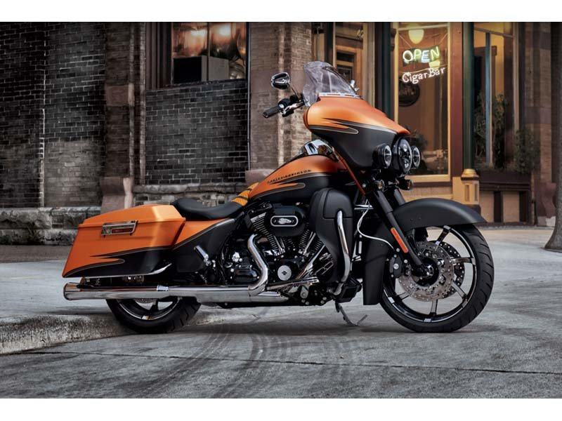 2012 Harley-Davidson Street Glide® in Mauston, Wisconsin - Photo 15