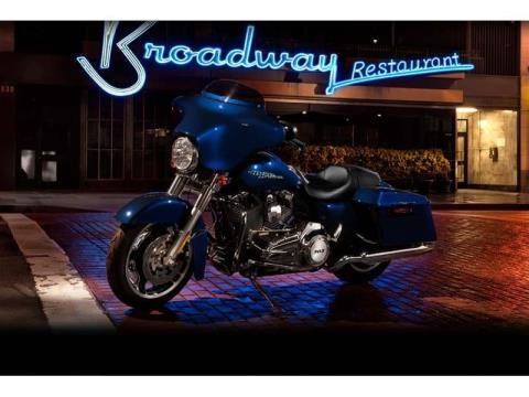 2012 Harley-Davidson Street Glide® in Mauston, Wisconsin - Photo 11