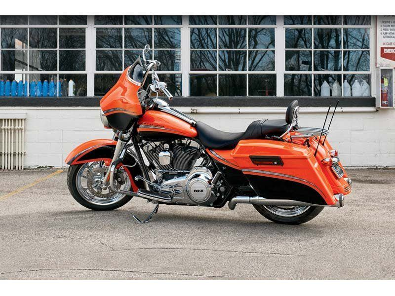 2012 Harley-Davidson Street Glide® in Monroe, Michigan - Photo 6