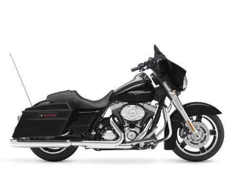 2012 Harley-Davidson Street Glide® in Monroe, Michigan - Photo 2