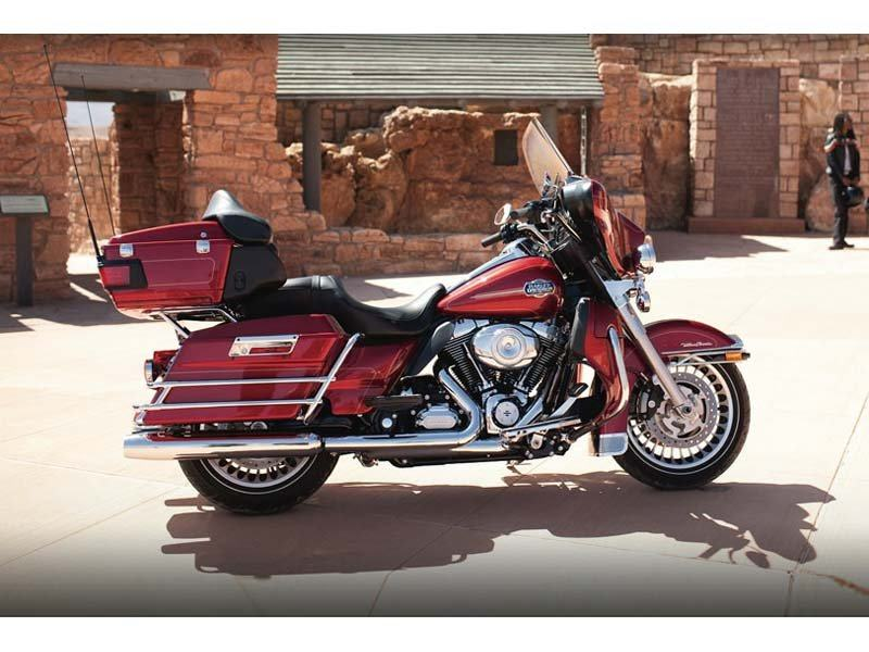 2012 Harley-Davidson Ultra Classic® Electra Glide® in Richmond, Indiana - Photo 5