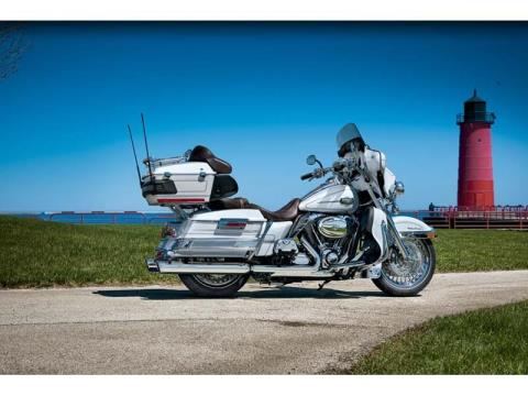 2012 Harley-Davidson Ultra Classic® Electra Glide® in Richmond, Indiana - Photo 6