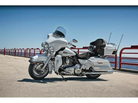 2012 Harley-Davidson Ultra Classic® Electra Glide® in Richmond, Indiana - Photo 3