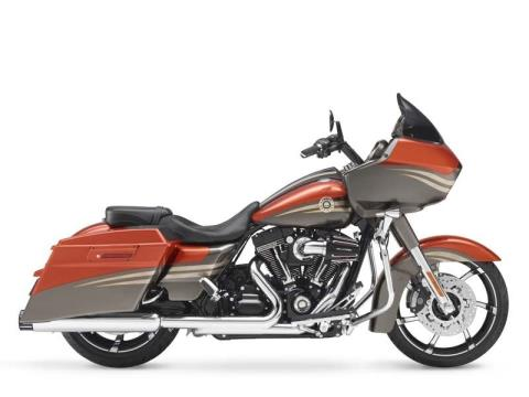 2013 Harley-Davidson CVO™ Road Glide® Custom in Norfolk, Virginia - Photo 6