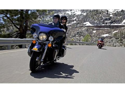 2013 Harley-Davidson Electra Glide® Ultra Limited in Cedar Rapids, Iowa - Photo 12