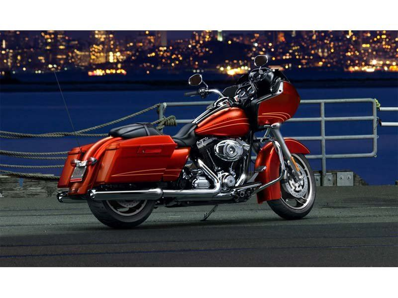2013 Harley-Davidson Road Glide® Custom in Monroe, Michigan - Photo 5