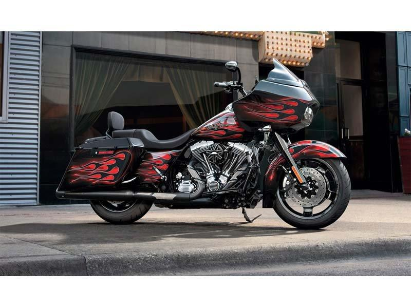 2013 Harley-Davidson Road Glide® Custom in Carroll, Iowa - Photo 3