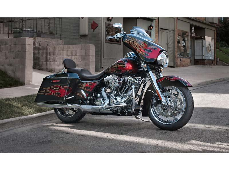 2013 Harley-Davidson Street Glide® in Tyrone, Pennsylvania - Photo 3