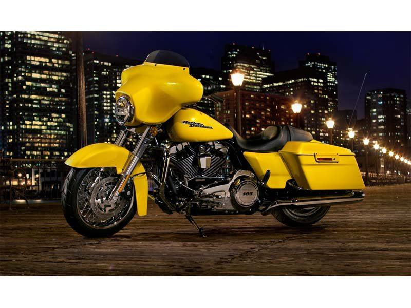 2013 Harley-Davidson Street Glide® in Monroe, Michigan - Photo 4