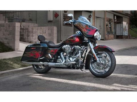 2013 Harley-Davidson Street Glide® in Lafayette, Indiana - Photo 10