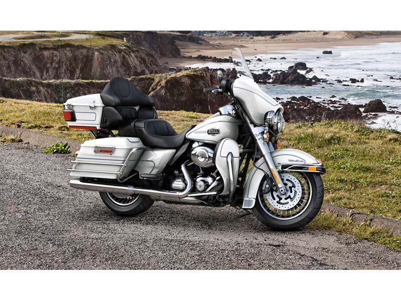 2013 Harley-Davidson Ultra Classic® Electra Glide® in Pasadena, Texas - Photo 9