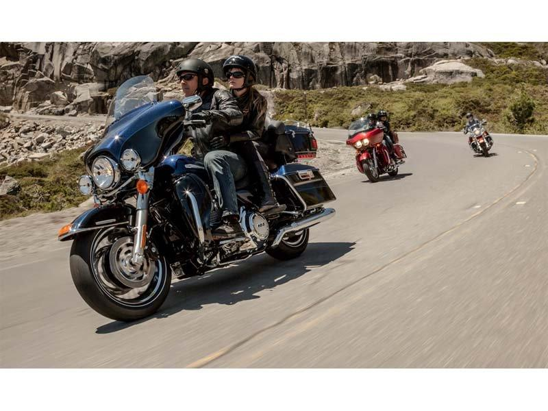2013 Harley-Davidson Ultra Classic® Electra Glide® in Pasadena, Texas - Photo 10