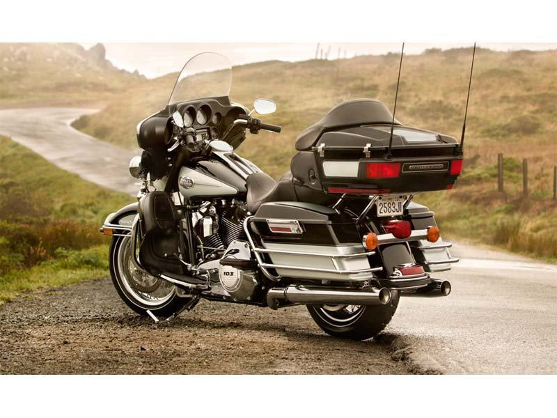 2013 Harley-Davidson Ultra Classic® Electra Glide® in Pasadena, Texas - Photo 7