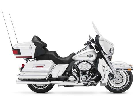 2013 Harley-Davidson Ultra Classic® Electra Glide® in North Canton, Ohio - Photo 2