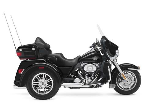 2013 Harley-Davidson Tri Glide® Ultra Classic® in Mauston, Wisconsin - Photo 11