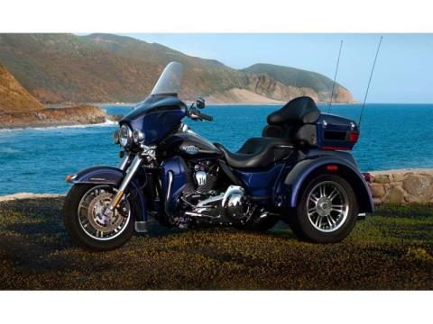 2013 Harley-Davidson Tri Glide® Ultra Classic® in Mauston, Wisconsin - Photo 12