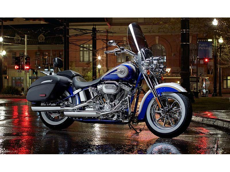 2014 Harley-Davidson CVO™ Softail® Deluxe in Coralville, Iowa - Photo 2