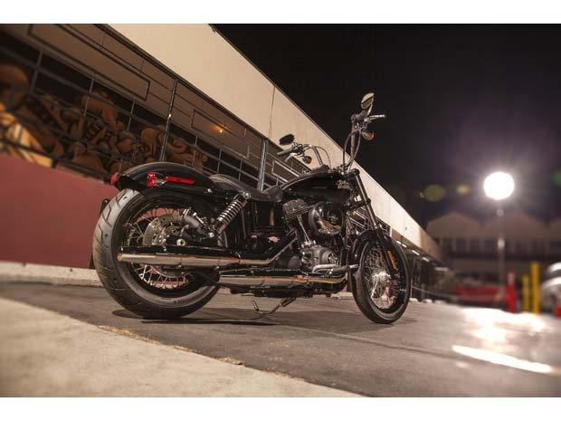 2014 Harley-Davidson Dyna® Street Bob® in North Canton, Ohio - Photo 4