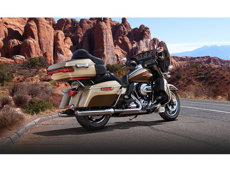 2014 Harley-Davidson Electra Glide® Ultra Classic® in Pasadena, Texas - Photo 3