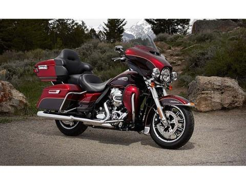2014 Harley-Davidson Electra Glide® Ultra Classic® in Pasadena, Texas - Photo 2