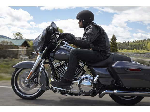 2014 Harley-Davidson Street Glide® in Dumfries, Virginia - Photo 4