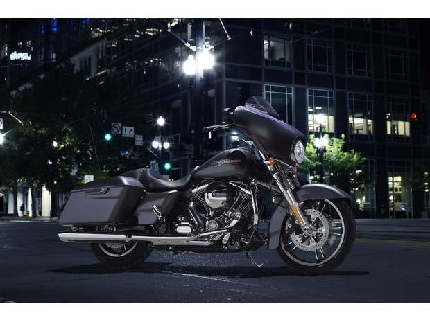 2014 Harley-Davidson Street Glide® in Dumfries, Virginia - Photo 2