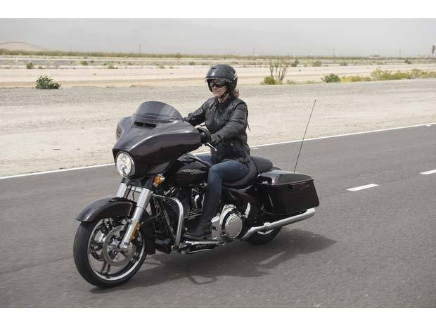 2014 Harley-Davidson Street Glide® Special in Leominster, Massachusetts - Photo 8
