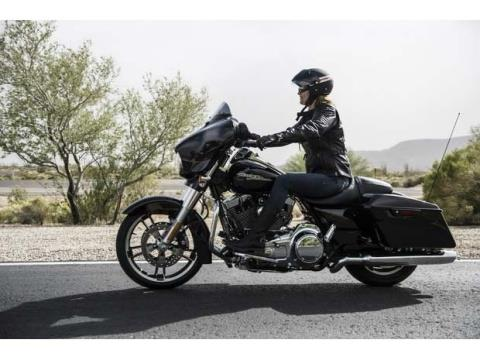 2014 Harley-Davidson Street Glide® Special in Livermore, California - Photo 11