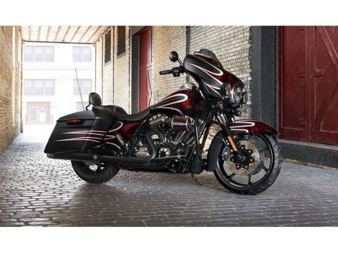 2014 Harley-Davidson Street Glide® Special in Lynchburg, Virginia - Photo 4