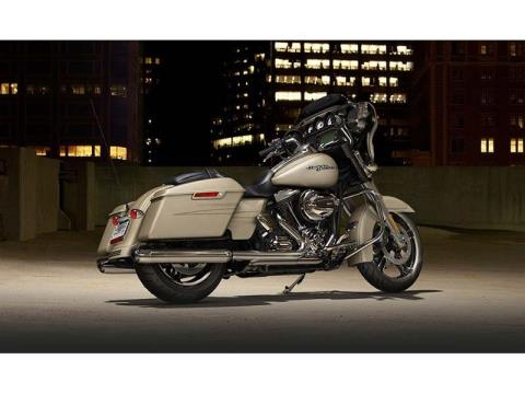 2014 Harley-Davidson Street Glide® Special in Cedar Rapids, Iowa - Photo 3