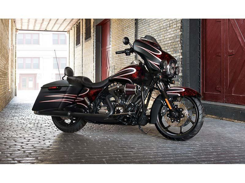 2014 Harley-Davidson Street Glide® Special in Cedar Rapids, Iowa - Photo 4