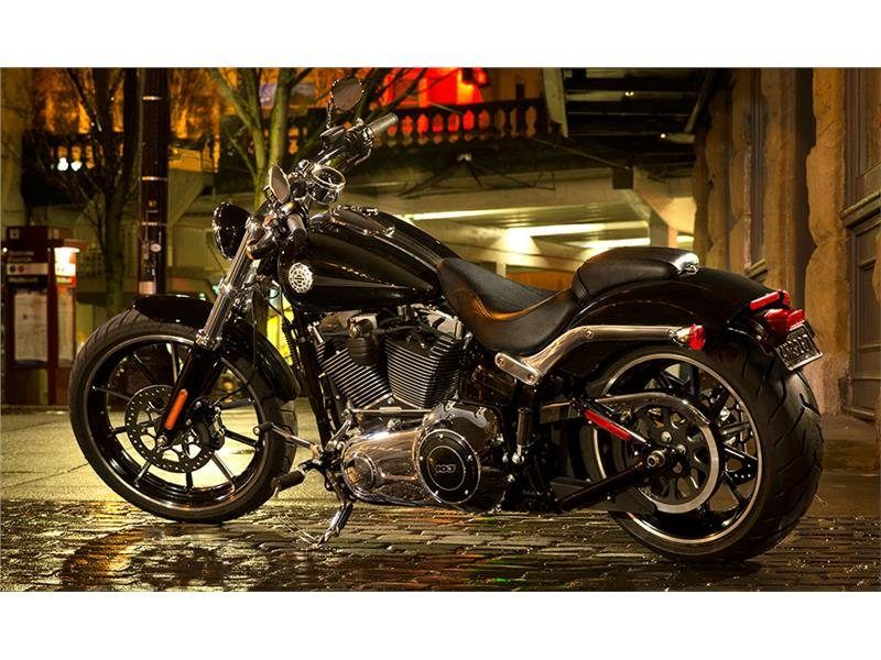2015 Harley-Davidson Breakout® in Monroe, Michigan - Photo 4