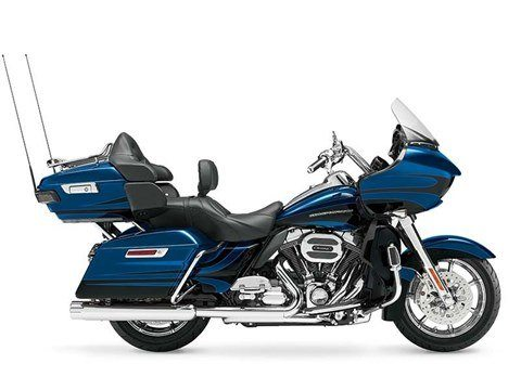 2015 Harley-Davidson CVO™ Road Glide® Ultra in Columbia, Tennessee