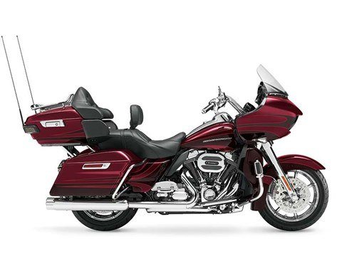 2015 Harley-Davidson CVO™ Road Glide® Ultra in Riverhead, New York