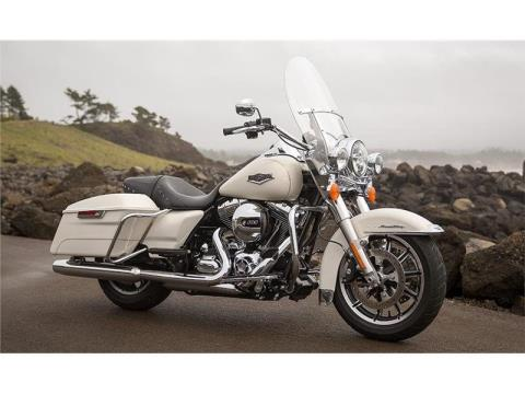 2015 Harley-Davidson Road King® in Sheboygan, Wisconsin