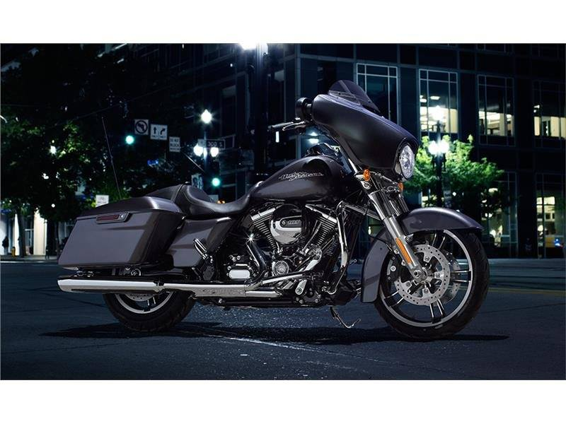 2015 Harley-Davidson Street Glide® in Tyrone, Pennsylvania - Photo 4