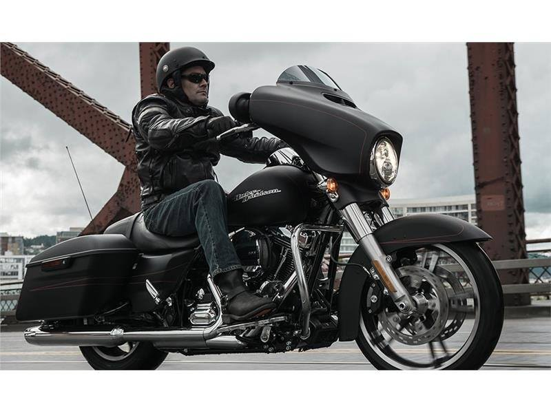 2015 Harley-Davidson Street Glide® Special in Monroe, Michigan - Photo 3