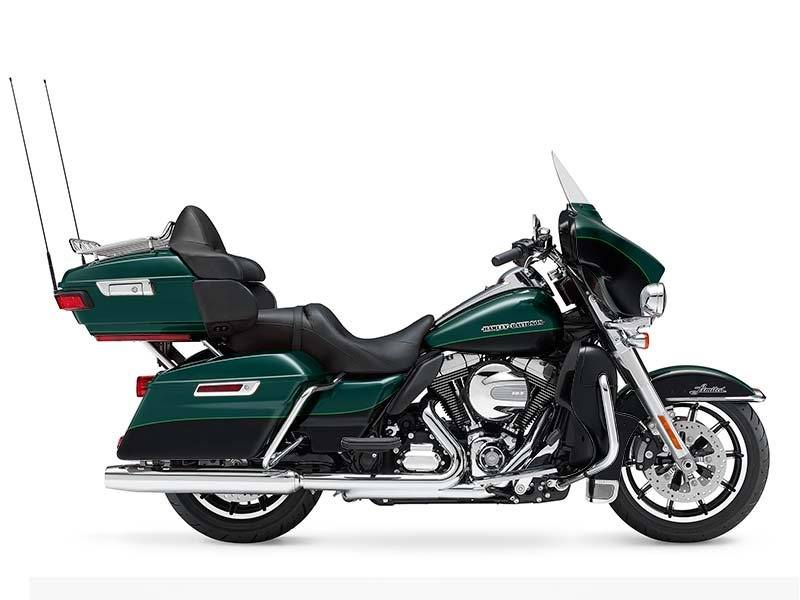 2015 Harley-Davidson Ultra Limited in Visalia, California - Photo 2