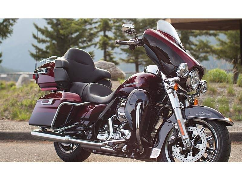 2015 Harley-Davidson Ultra Limited in Rothschild, Wisconsin