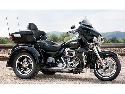 2015 Harley-Davidson Tri Glide® Ultra in Traverse City, Michigan