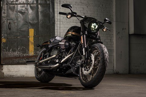 2016 Harley-Davidson CVO™ Pro Street Breakout® in Broadalbin, New York