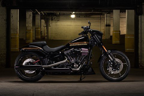 2016 Harley-Davidson CVO™ Pro Street Breakout® in Junction City, Kansas