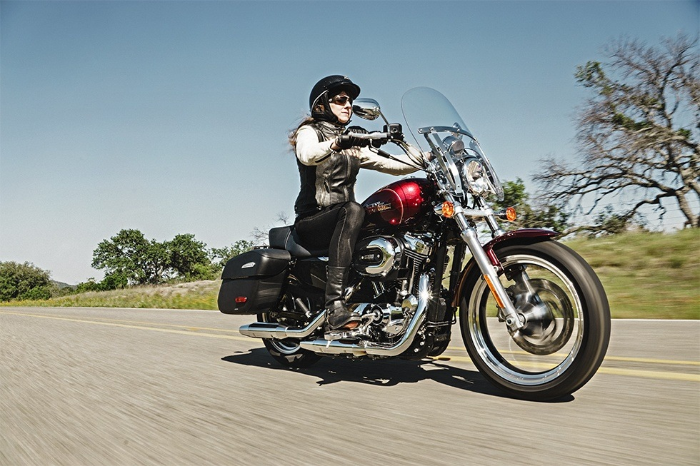 2016 Harley-Davidson SuperLow® 1200T in Sheboygan, Wisconsin