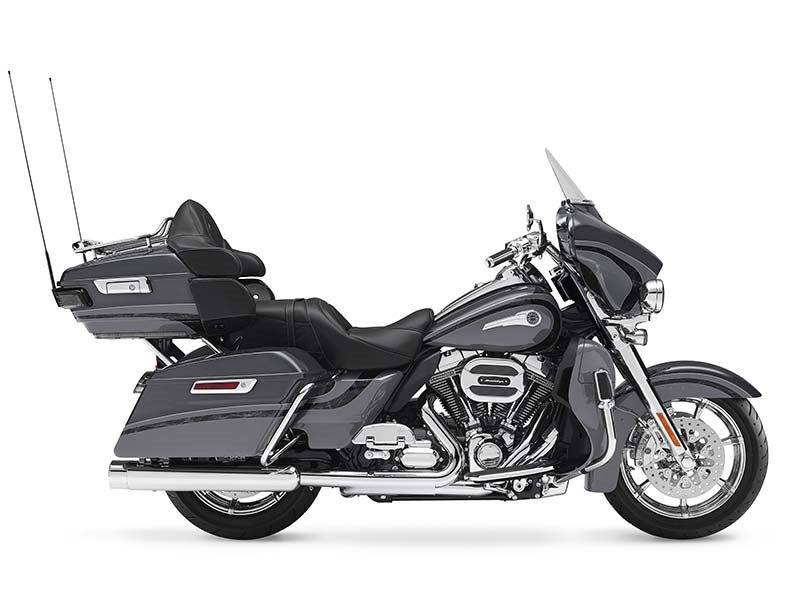 2016 Harley-Davidson CVO™ Limited in New York Mills, New York